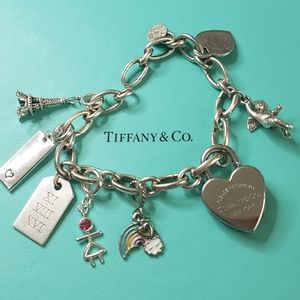 Tiffany & Co. Jewelry - Tiffany & Co oval clasping link bracelet ONLY